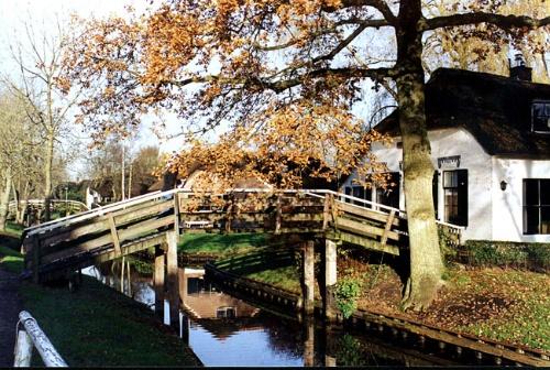 小桥,流水,人家 -- 荷兰羊角村游记