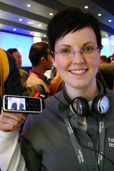 诺基亚中价位电视手机新品N77