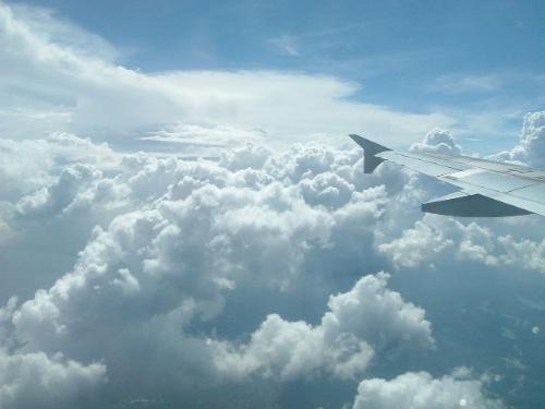 在飞机上看云